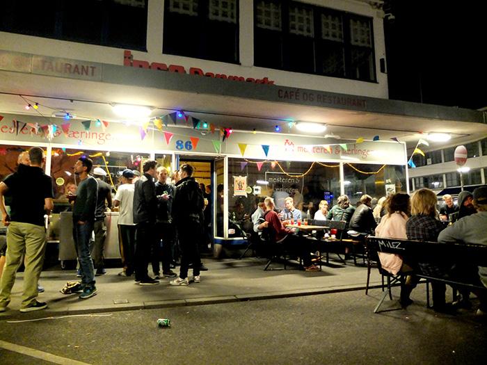 Hostels, alternative, guide, Copenhagen, downtown hostel, best accommodationwhat to do, mesteren, lærling, bar, kødbyen